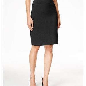 NWT CALVIN KLEIN INVISIBLE FIT SOLUTIONS SKIRT!